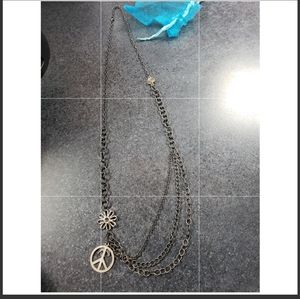BKE PEACE CHAIN NECKLACE